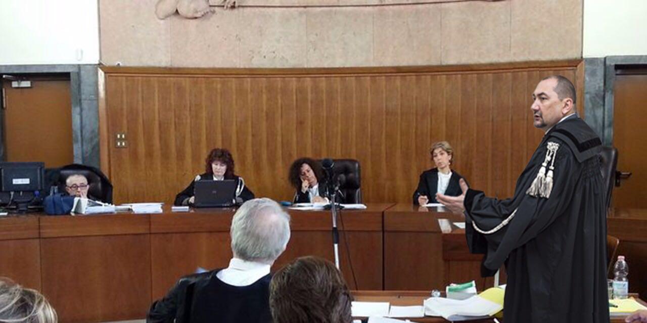 avvocato Alexandro Maria Tirelli ad un noto processo per omicidio